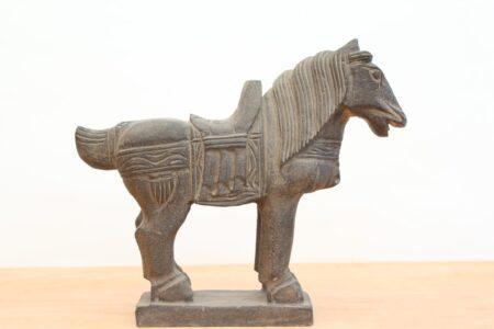 Caballo chino de piedra tallada. Tienda Himalaya. P734 -1