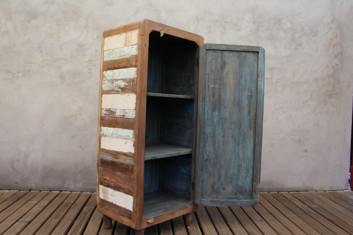 Mueble sonico retazos de madera reciclada tienda himalaya for Mueble pipas
