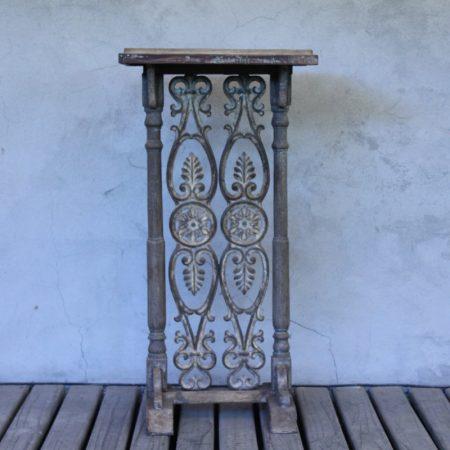 Pedestal rustico. Tienda Himalaya. J946.1
