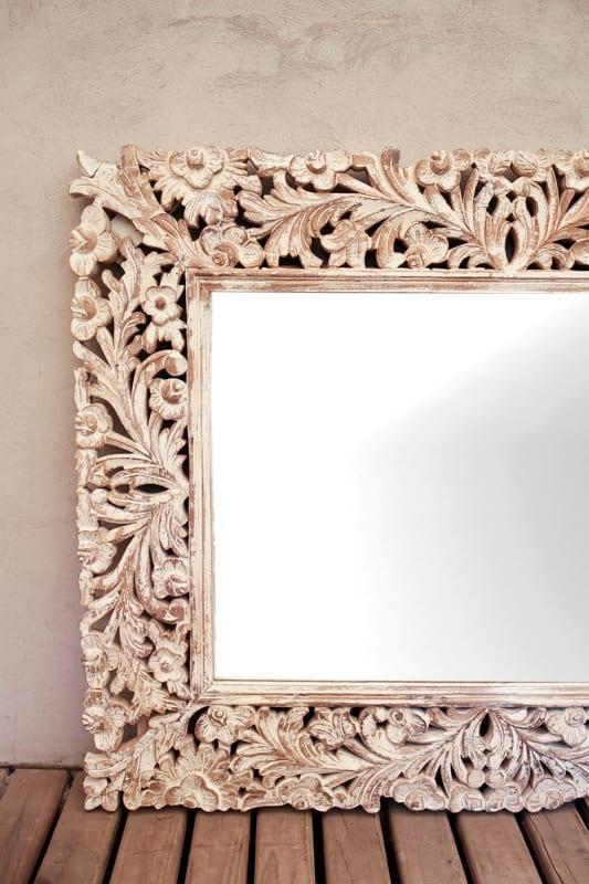 Espejo marco madera tallado for Marcos de madera para espejos grandes