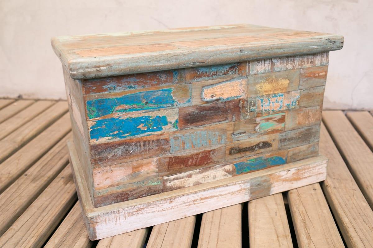 Baul tienda himalaya for Outlet muebles rusticos