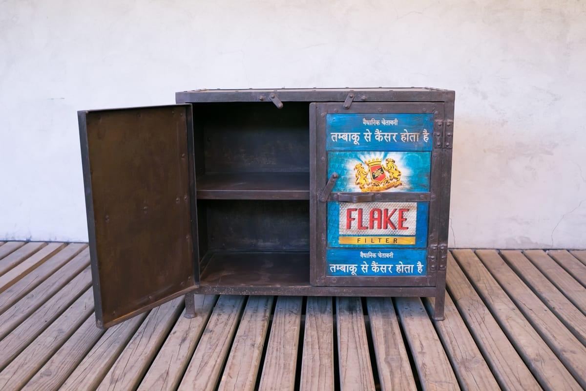 Mueble de fierro hindu for Mueble pipas