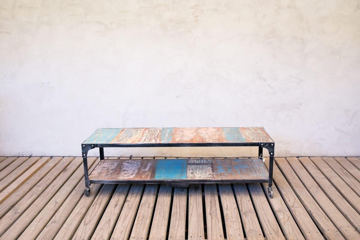 Mesa de madera india for Bar de madera y fierro