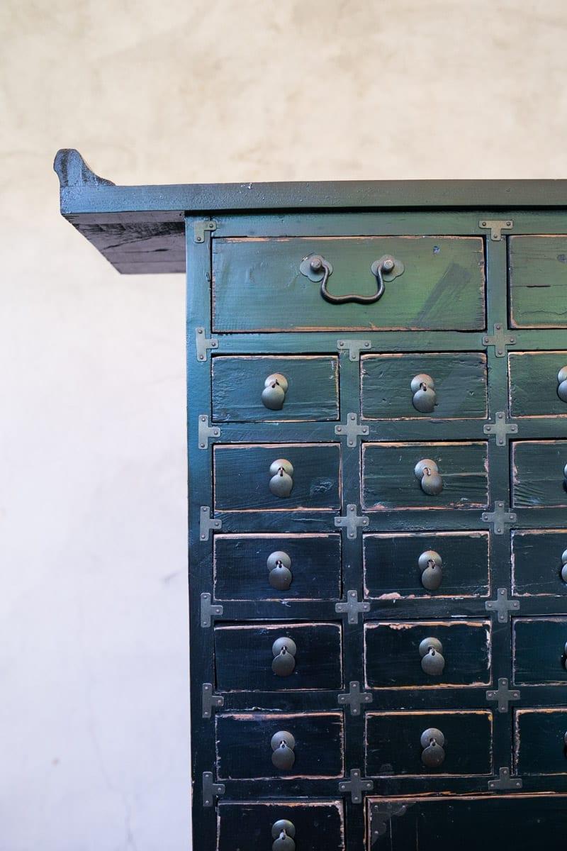 Mueble medicinal negro tienda himalaya for Muebles chinos outlet
